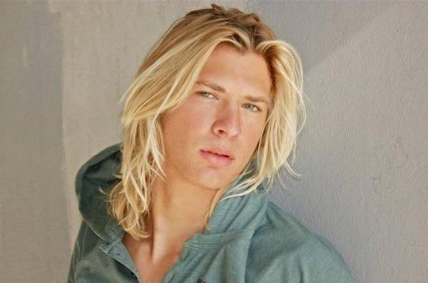 Long Hair As Men Style